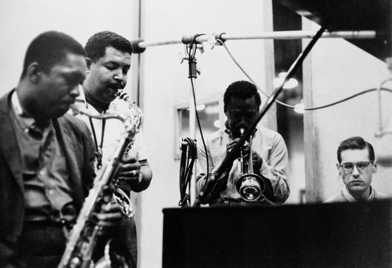 John Coltrane, Cannonball Adderley, Miles Davis e Bill Evans. Sessão de gravação no estúdio em 26 de maio de 1958.