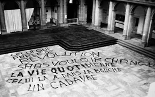 """""""aquele que fala de revolução sem querer mudar a vida cotidiana, este tem na boca um cadáver"""""""